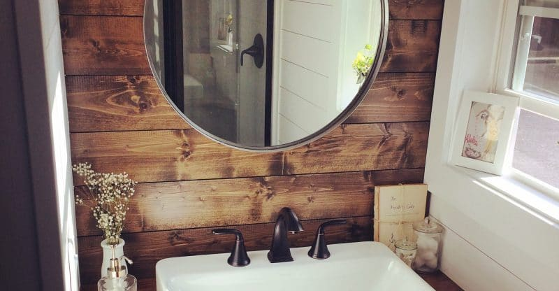 5 Small Bathroom Hacks You Can Use In Your Tiny Home