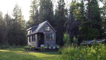 What Kinds of Heavy Equipment Do You Need to Build a Tiny Home? 1